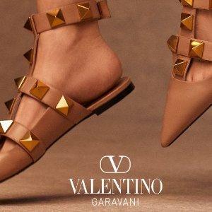 低至1.5折 £182就收铆钉平底鞋2021 Valentino 打折&折扣码 | 美衣美鞋经典款都在