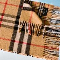 Burberry 复古格纹羊绒围巾