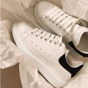 8.5折 £331就收雾霾蓝款Alexander McQueen 十月大促 超多配色小白鞋罕见好价