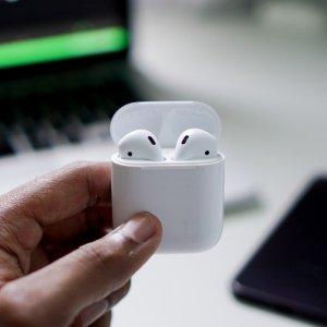暂时缺货 $139.99 下单锁价AirPods 2有线充电版本 支持Hey Siri,升级H1芯片