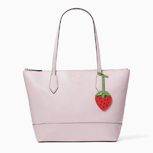 2.2折 $75(原价$329)限今天:Kate Spade Surprise 草莓托特包 大容量百搭款