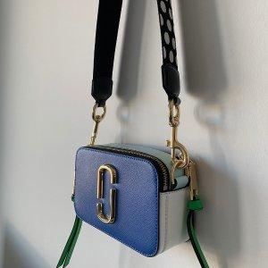Up to 60% OffDesigner Handbags Sale @ SSENSE