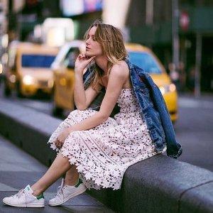 低至4.7折+免邮,$249收INS蕾丝裙即将截止:Self Portrait 明星同款仙女裙热卖 超划算!