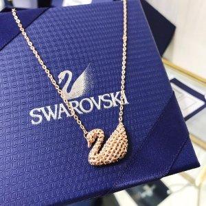 Swarovski玫瑰金天鹅项链