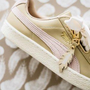 $90 + 免邮,你的夏季美鞋上新:Puma 节日款蝴蝶结女鞋,丝绸鞋带羽毛吊坠,美翻了