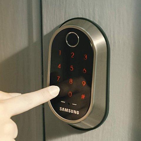 售价$549Samsung 智能WIFI门锁 + 猫眼门铃