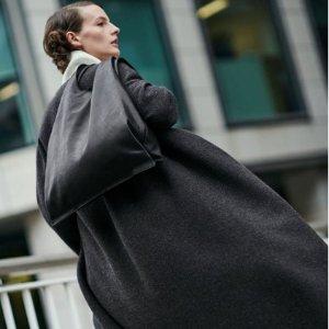 7折 泰迪双面渔夫帽€80COS 周末闪促开启 秋冬外套、羽绒服、配饰等速速收