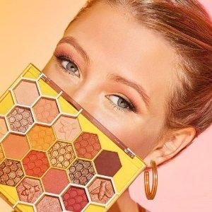 7.5折 $26收封面款眼盘限今天:Tarte Cosmetics 热卖 收Bloom眼盘、网红遮瑕膏