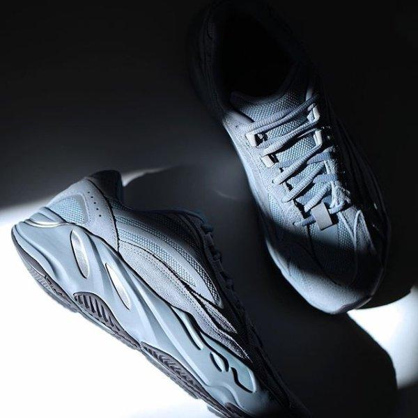Adidas Yeezy Boost 700 V2