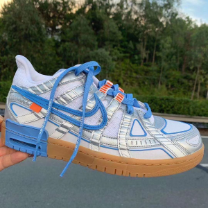 "10月1日发售 定价£164.95预告:Off-White™ x Nike Air Rubber DunK ""University Blue""联名鞋已上架"