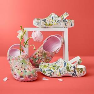 低至5.7折 €17.5收彩虹洞洞鞋Crocs 夏日洞洞鞋 防水防滑 款式超多 可以自配挂件DIY