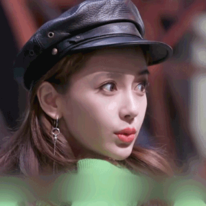 Angelababy 4月12日同款Calvin Klein logo 绿色毛衣+Desquared 2 真皮海军帽