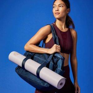 低至6折+免邮 运动发带$9Lululemon官网 运动配件集合 收瑜伽垫包、鸭舌帽、水杯等