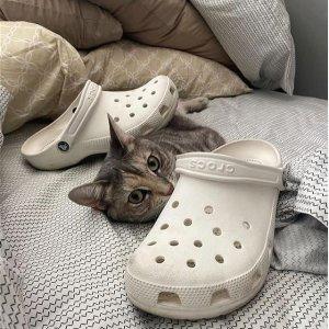低至5折+额外8折Crocs 劳工日美鞋促销 玩水必备单品 舒适又好穿 拖鞋$13起