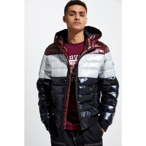 Urban Outfitters羽绒夹克
