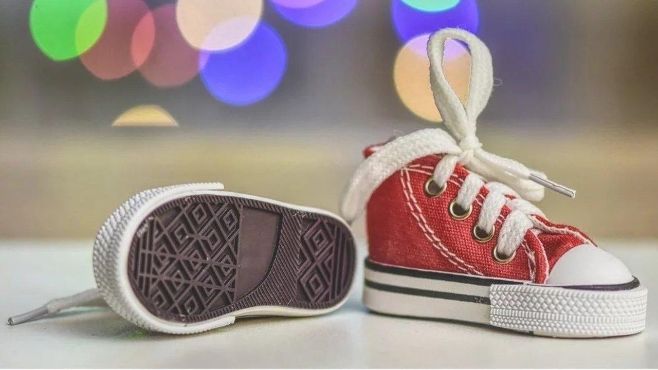如何给学走路的宝宝挑选最合适的鞋子