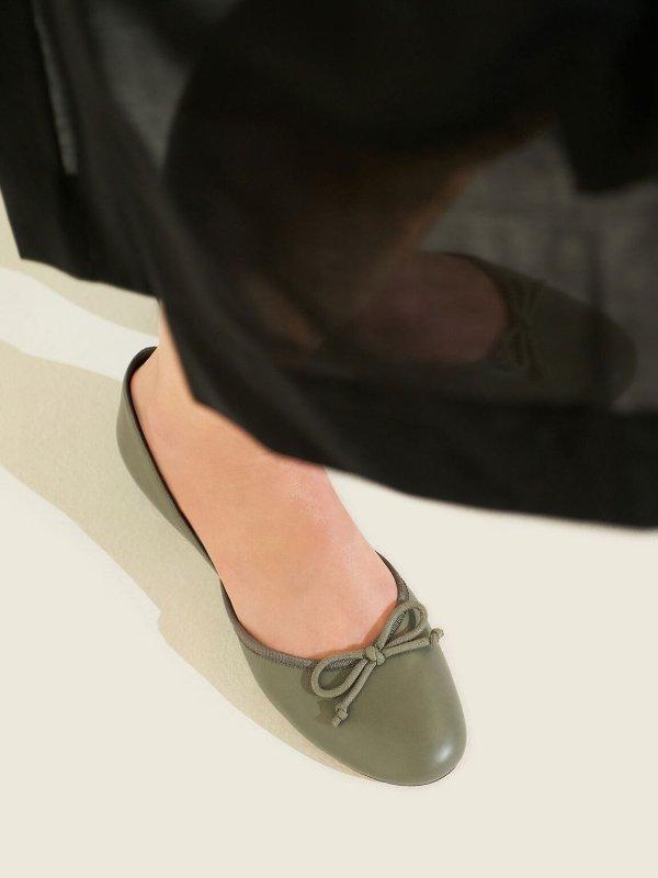 大象灰芭蕾舞鞋
