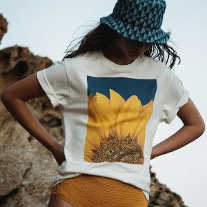 低至4折  封面向日葵印花T恤$62Sandro 折扣区美衣热卖   精致花朵刺绣裙$311