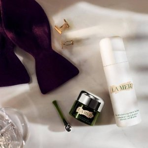 $75 offyour first The Eye Treatments purchase of $350 + receive a 4-piece set @ La Mer