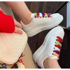 独家8折 爆款彩虹小白鞋€340Alexander Mcqueen 独家大促 经典小白鞋、网红帆布鞋速速收