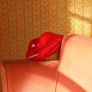 3折起 桃心红唇小白鞋£87折扣升级:Lulu Guinness 年终大促开跑 俏皮红唇给生活一个甜蜜的亲亲
