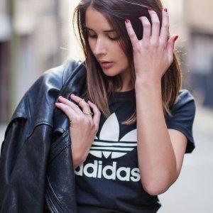 低至7折 + 最高立减¥225 + 直邮中国Adidas 全场美衣热卖 ¥189收T恤
