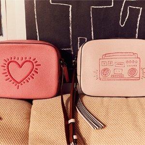 涂鸦合作款超有趣 $15起coach x keith haring 合作款美包、美衣热卖