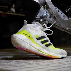 低至7.5折+额外6折adidas ultraboost 系列 地表最强跑鞋 $135收星战合作款
