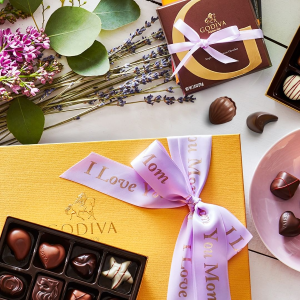 低至4折 $37.98(原价$94.95)折扣升级:Godiva 超值巧克力礼品篮限时促销