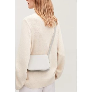 COSSMALL ROUNDED LEATHER SHOULDER BAG