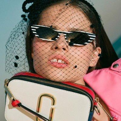 精选8.5折 £127收经典相机钱包Marc Jacobs 美衣美包大促 快来pick你爱的优雅、复古与时尚