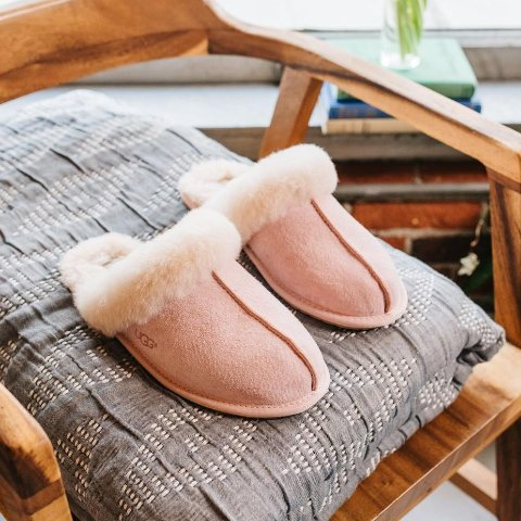 低至6折+额外8折 £67收经典短款UGG官网 精选雪地靴、豆豆鞋、毛绒拖鞋热促