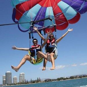 双人帆伞体验$129(原价160)黄金海岸Gold Coast Watersports海上娱乐项目团购