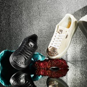 Up to 50% Off Women's Puma Suede Platform Crushed Jewel Casual Shoes @ FinishLine.com