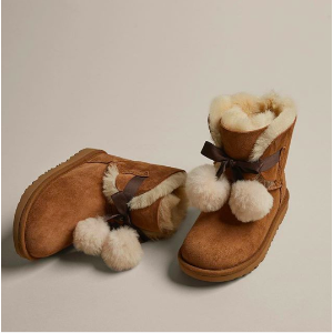 Earn up to $900 gift card + Free Shippingwith Kids UGG Purchase