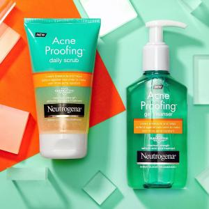 Neutrogena Acne Proofing Daily Facial Scrub with Salicylic Acid Acne Treatment,