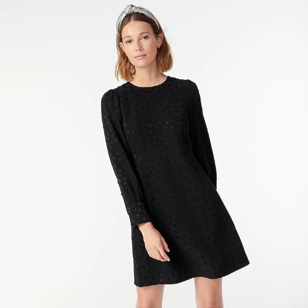 暗纹连衣裙