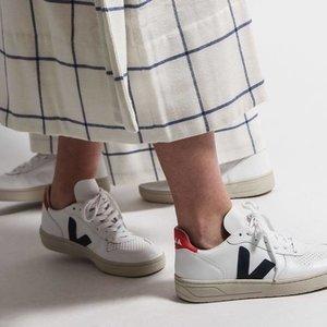 无门槛8.2折 经典红蓝配色补货Veja 法国新晋街头潮鞋上新 收明星们都爱的小白鞋