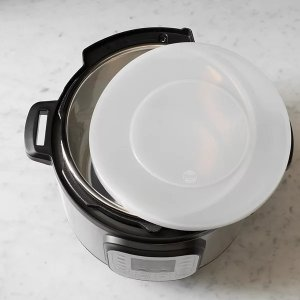 food network™ Pressure Cooker Accessory 3-qt. Silicone Lid