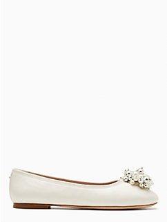 珍珠平底鞋
