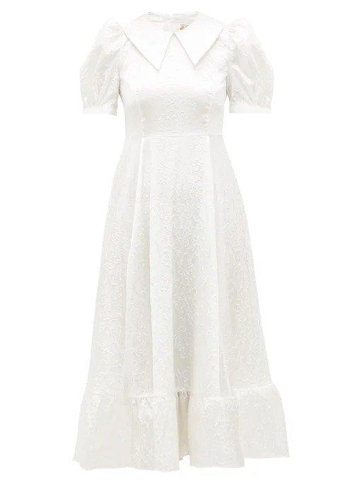 白色泡泡袖连衣裙