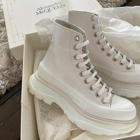 4.5折起 小白鞋$394起Alexander McQueen 小白鞋专场 镭射、柠檬黄、雾霾蓝都有