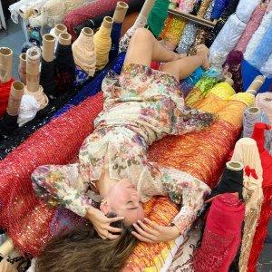 低至2.5折 多款再降价Saks 时尚大促 Maje衬衫裙$120,SW珍珠拖$131