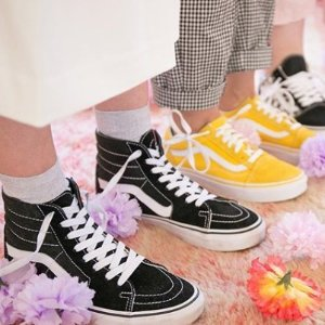 低至4.4折 £45收朴海镇同款Vans多款潮鞋大促 收众明星最爱Old Skool系列