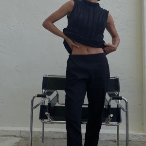 低至2折 部分再降价Theory Outlet 精致女装 $72收阔腿牛仔裤 $87收针织外套