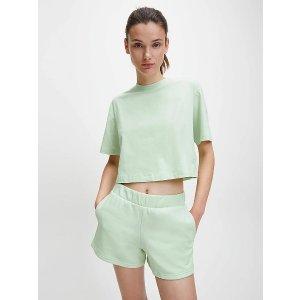 薄荷绿T恤