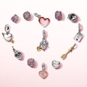 银手链+2个饰品只要£99Pandora 邀请你定制一条属于自己独一无二的手链