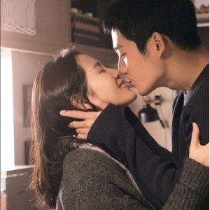 孙艺珍的穿搭更好看比起《经常请吃饭的漂亮姐姐》里的吻戏