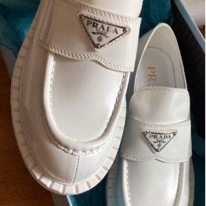 3折起 麦昆大童款$348Farfetch 鞋履专场 Yeezy、BLCG、Prada、Gucci等劲爆好价