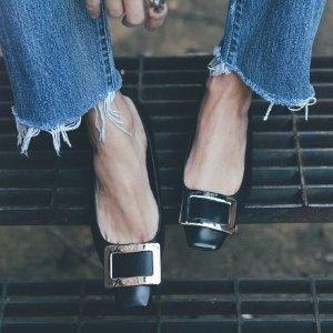 最高送$300 相当于7.7折入经典钻扣延长一天:Roger Vivier 女士鞋履热卖 超美钻扣芭蕾平底